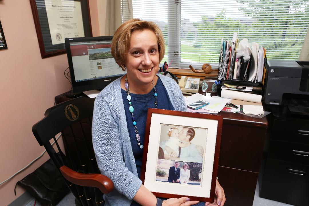 Video: Daughter follows in her dad's footsteps as college professor