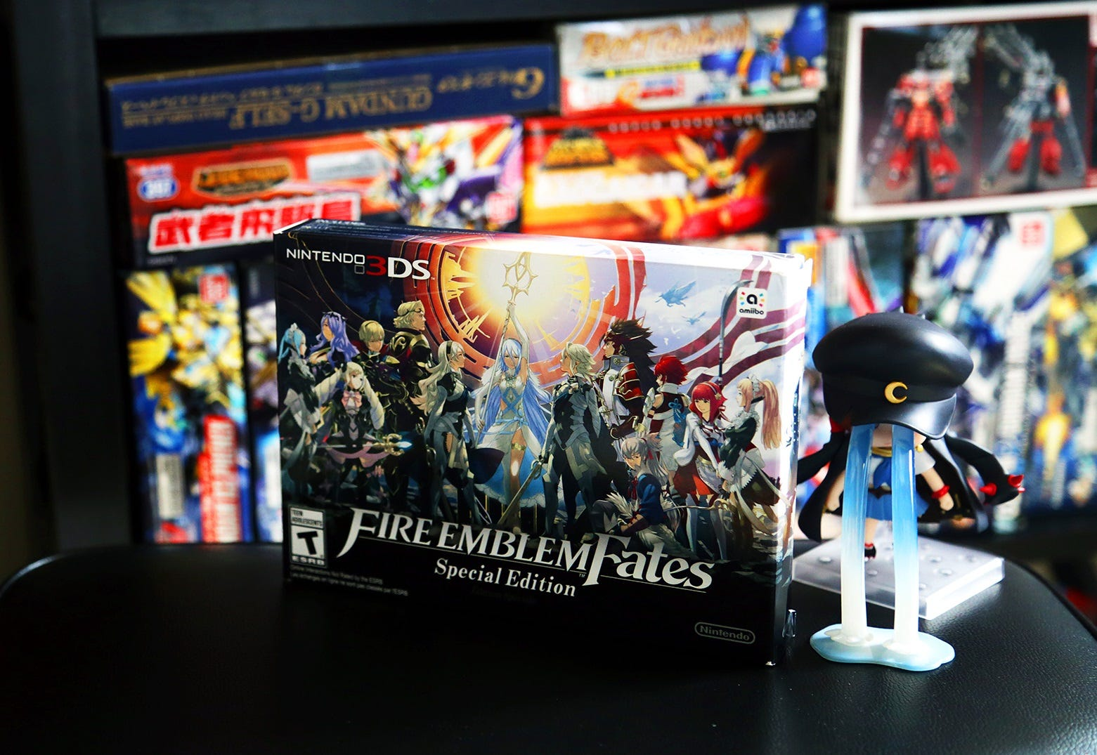 Watch video: Fire Emblem Fates Special Edition Unboxing   Technobubble