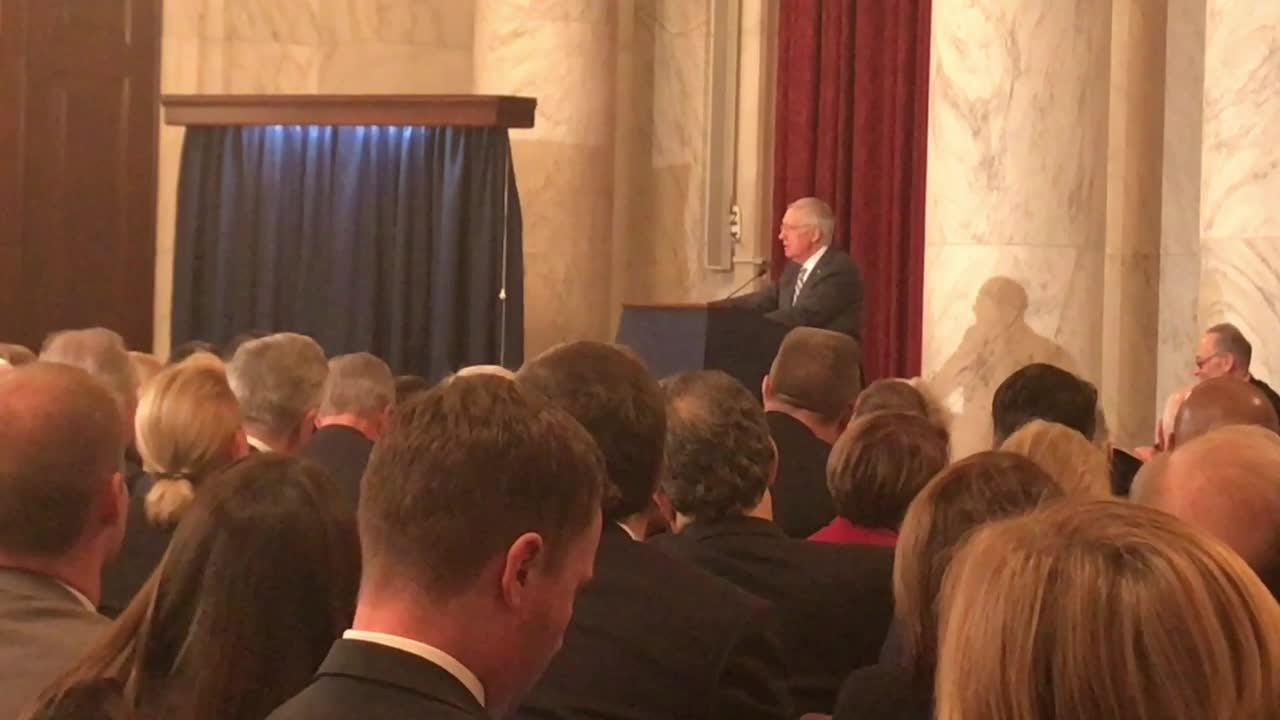 Harry Reid unveils his leader portrait