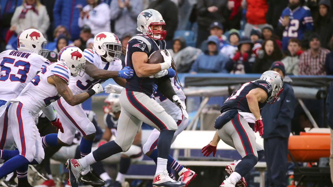 Brady, Gronk darken Bills day again