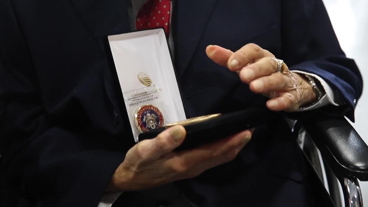 Tuskegee Airmen get medals