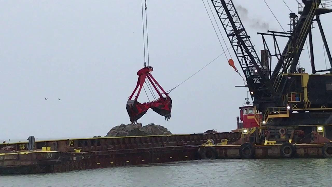 Raw video: Dredging at the Irondequoit Bay outlet