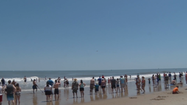 Watch: F18 Super Hornet Performs at Ocean City Air Show
