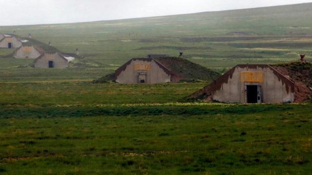 Video: People buy bunkers in case of disaster