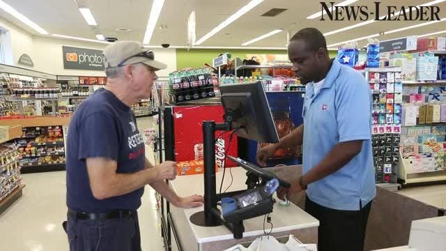 Walgreens Employee Login >> Meet Walgreens Unofficial Vp Of First Impressions