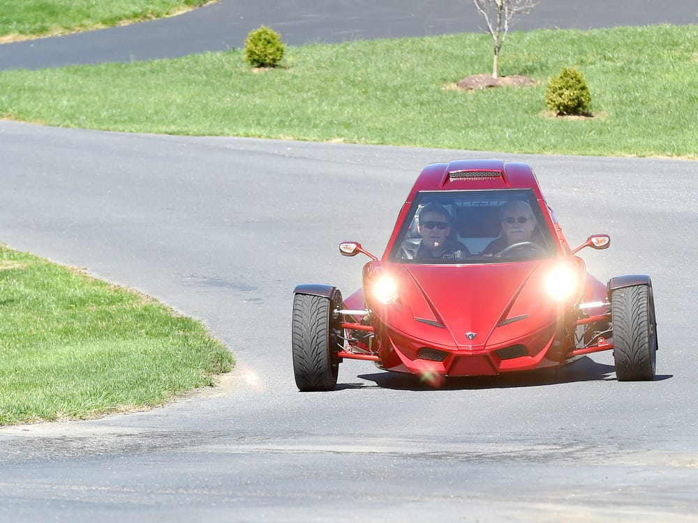 Tanom introduces their three-wheeled INVADER