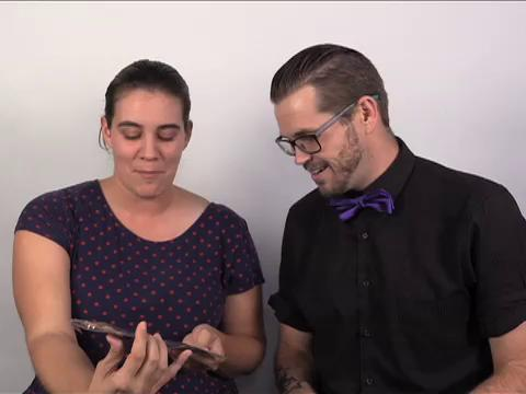 Matthew and Casie sit down and uncrate the horrors in Loot Crate's October box! The Walking Dead! Freddy Krueger! Leatherface! To get a discount when you sign up for Loot Crate, go to http://looted.by/esseq.