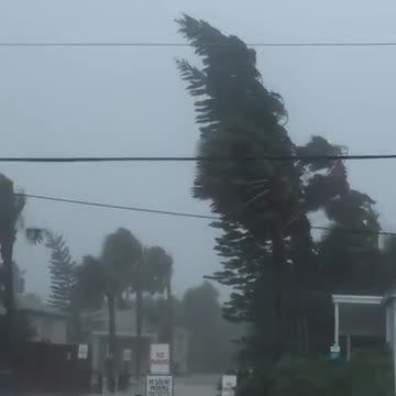 Video from St. Augustine Beach as Hurricane Matthew approaches