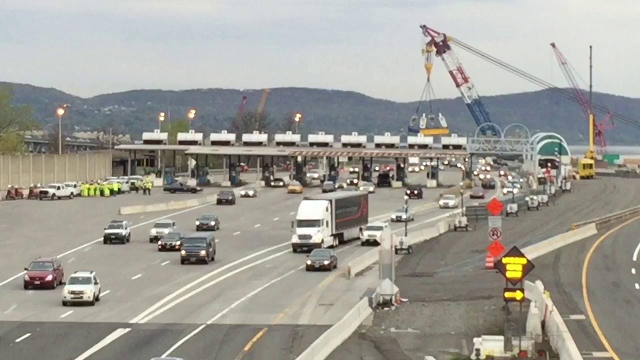 Vehicles pass through the unmanned Tarrytown toll plaza after crossing the now-cashless Tappan Zee Bridge on April 25, 2016. (Video by Matt Spillane/The Journal News)