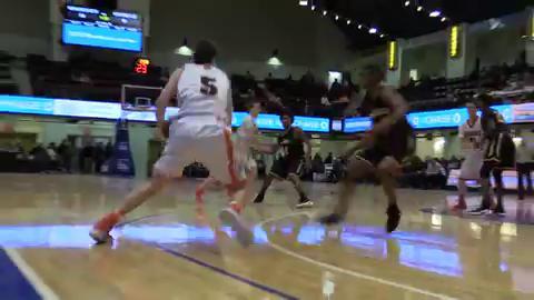 Video: Mamaroneck beats Uniondale in Slam Dunk semi