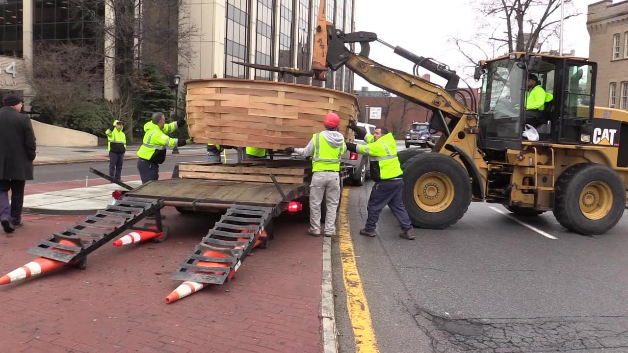 White Plains Replaces Giant Basket Damaged In Accident