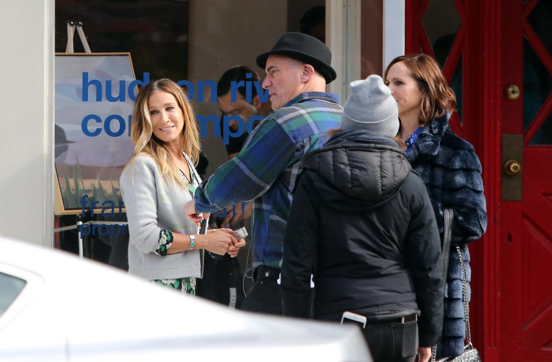 """The cast and crew film a scene from HBO's """"Divorce"""" with Sarah Jessica Parker and Molly Shannon on Main Street in Tarrytown in 2017."""