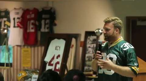 15th annual Marshview Conservation Club Sports Banquet had a record crowd on hand to listen to Green Bay Packer John Kuhn talk about his role on the team.