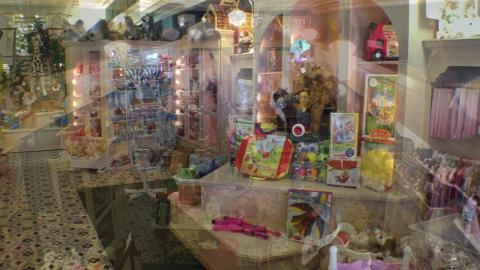 Local shop gives kids feel of 'real toy store'