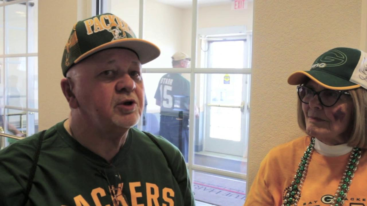 Packer players and fans share views on mutual respect  of each other during a Tailgate Tour stop in Sheboygan.