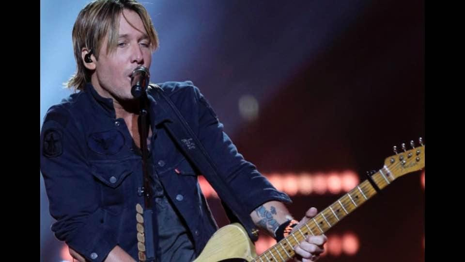 Concert Recap: Keith Urban at BMO Harris Bradley Center