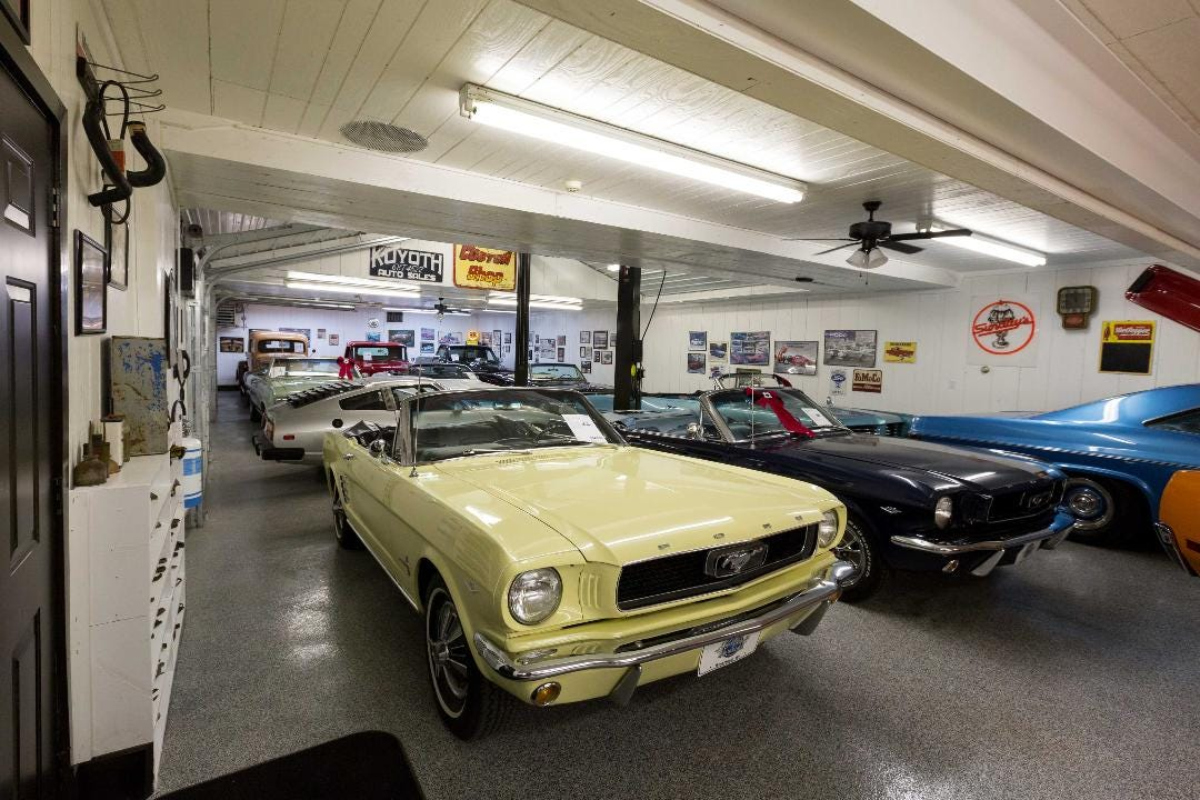 Stratford Shop Keeps Muscle Cars Roaring - Muscle car repair